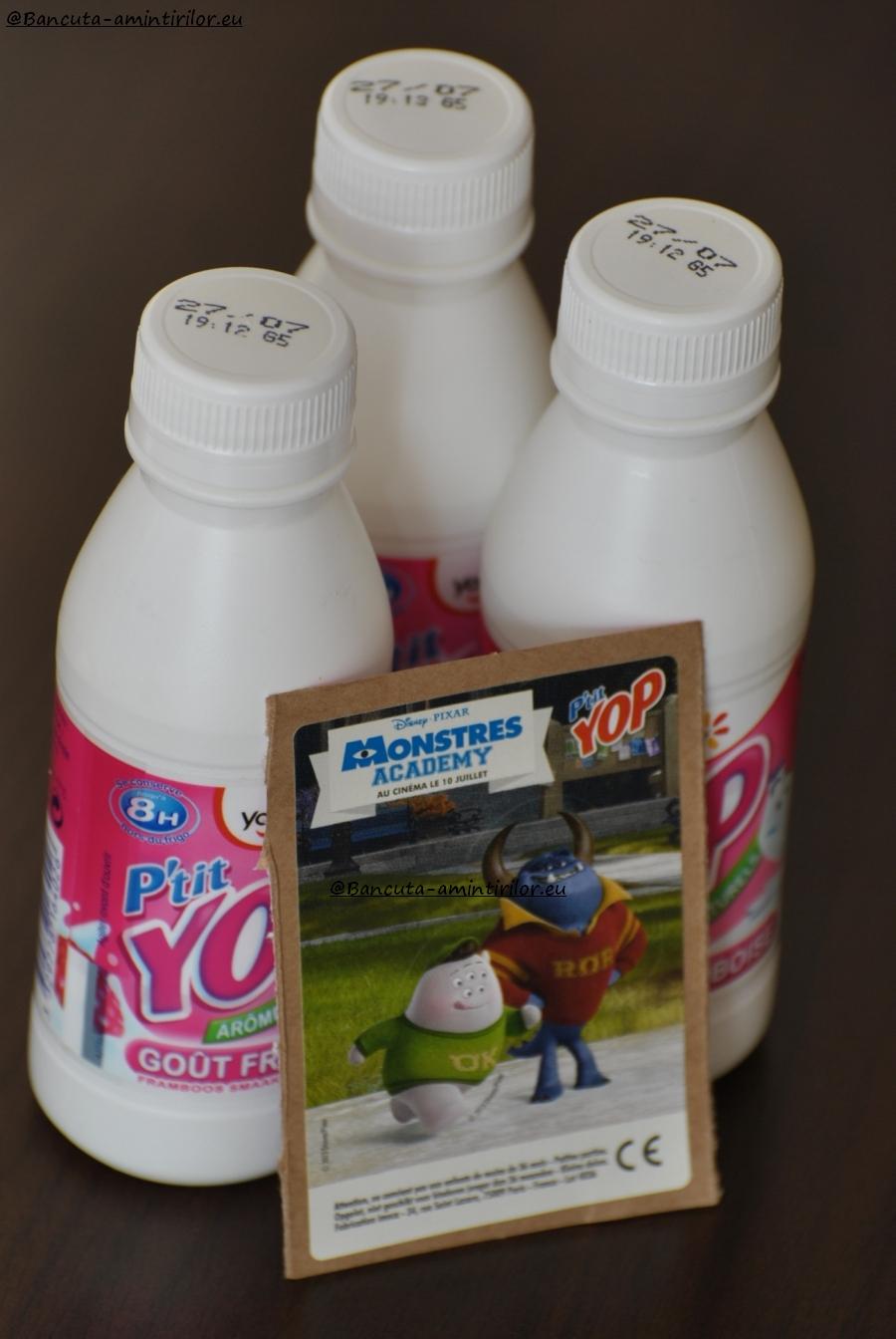 Un sticker si 3 sticle de iaurt de la YOP